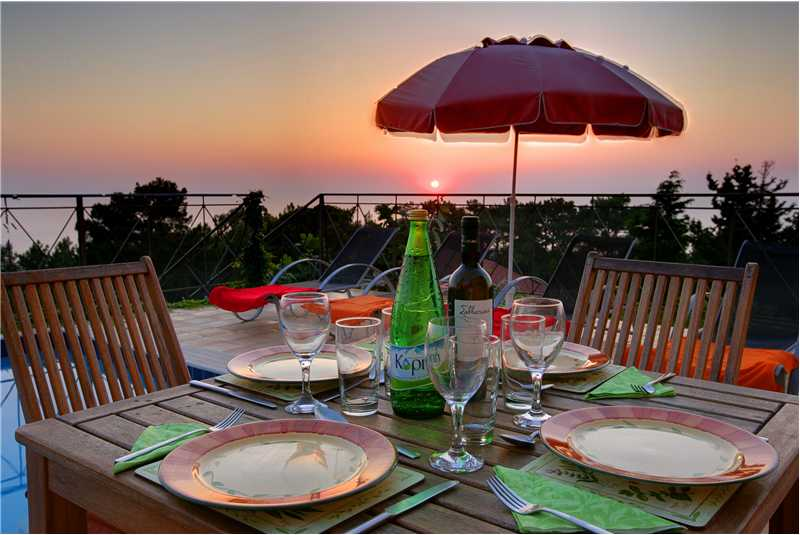 Villa Hilltop al fresco dining at sunset