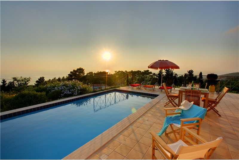 Villa Hilltop relax by the pool enjoy the sunset