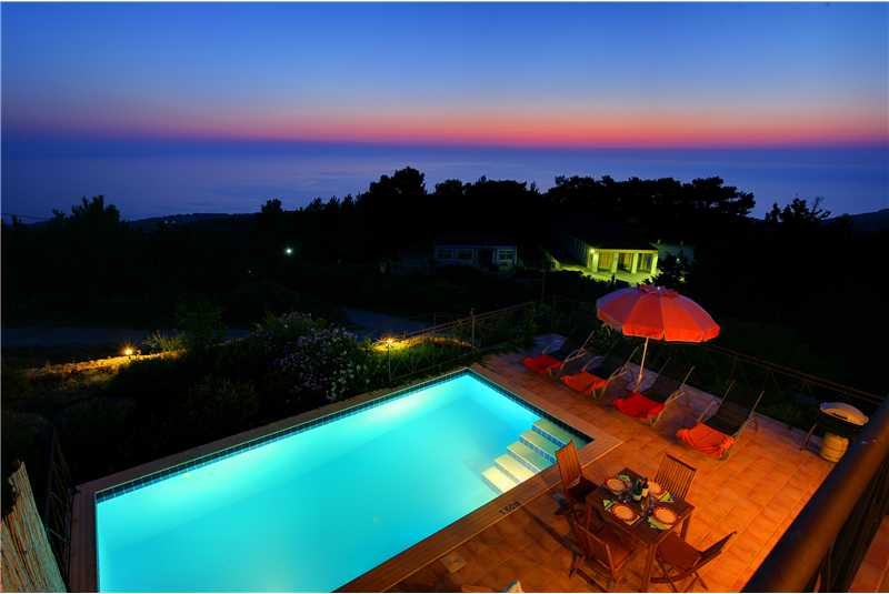 Villa Hilltop swimming pool at night
